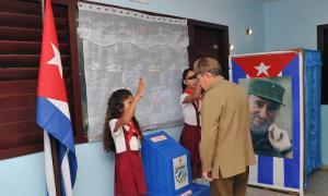 Raul Castro a exercé son droit de vote